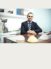 Dr. Acrysio Peixoto - Av. das Américas, 700 - Bl.03 Sala 233, Barra da Tijuca,