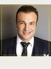 Dr. Adriano Medeiros - Av. das Américas, 4200 bl. 9, sl. 228 B, Edifício Paris, Rio de Janeiro, 22640907,