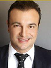 Dr. Adriano Medeiros - Av. das Américas, 4200 bl. 9, sl. 228 B, Edifício Paris, Rio de Janeiro, 22640907,  0