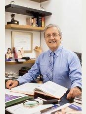 Dr. Paulo Roberto Leal - Rua Sorocaba, 464 - Sala 210 - Botafogo, Rio de Janeiro, 22271110,