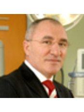 Dr Ilio Stoyanov - Surgeon at Aesthe Clinic