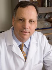 Michael Weinberg, MD - Surgeon at The Mississauga Cosmetic Surgery and Laser Clinic