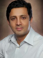 Dr M Elahi - Doctor at Dr Elahi Toronto Plastic Surgeon