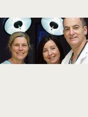 Dr. Michael Kreidstein - 300 York Mills Road, Suite 211, Toronto, Ontario, M2l 2Y5,