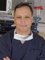 Toronto Plastic Surgery Clinic - Dr. Michael J. Weinberg