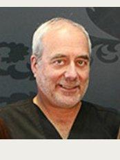 Dr. Arthur Swift - 4131 Sherbrooke St. West, Montreal, Québec, H3Z 1B7,