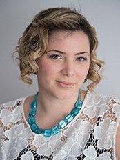 Mrs Amanda Kuschak -  at Dr. Arie Benchetrit