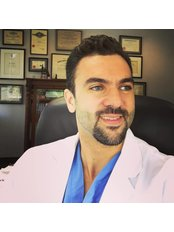 Dr Hani Sinno - Surgeon at Dr Hani Sinno - Westmount Aesthetic Surgery
