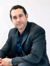 Centro de Salud Estética - Dr. Antonio García Hernández - Dr. Antonio García was listed as one of the best plastic surgeons in Spain