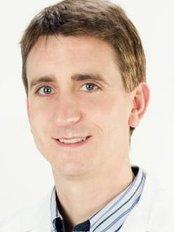 Dr Jose Miguel - Doctor at Dr. Stephane de Francia