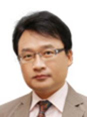 Dr Kyoung-Jin Kang - Doctor at Shanghai East Plastic and Cosmetic Surgery Clinic