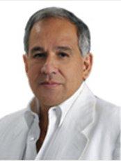 Dr. Juan Carlos Fernandez Romero - San Angel Spa Bogota - Calle 122 # 50A - 33 Barrio El Batan, Bogota,