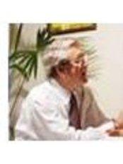 Dr Romain Rojas Vasquez - Doctor at Clínica De Especialidades Médicas San Gerardo