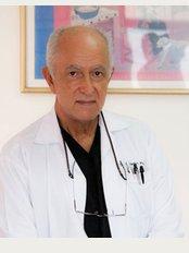 Centro Médico Dr. Macaya Centro - Avenida 4, San José, 2443,