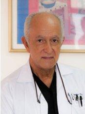 Centro Médico Dr. Macaya Centro - Avenida 4, San José, 2443,  0