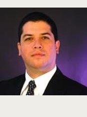Dr. Gabriel Peralta Mantilla - Sabana Sur, 200m Sur y 200m Oeste de la Libreria Universal, San Jose,