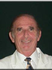 Dr Noe Rosenstock - Dermatologist at The Rosenstock Lieberman Plastic Surgery Center