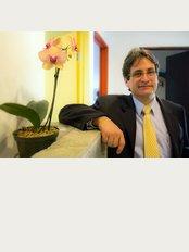 Plastic Surgery OAS - Oscar Suarez