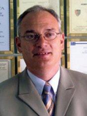 Dr. Branko Glušac - Stjepana Ivičevića 2, Makarska,  0