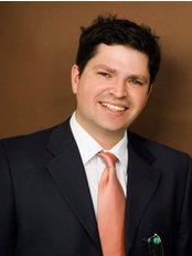 Dr Jose Varas - Surgeon at Arcadia Clinic For Plastic and Aesthetic Surgery