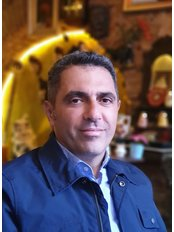 Доктор Bugra Sadikoglu - Главный хирург в Cosmetic Surgery Cyprus