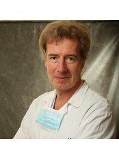 Dr Luboš Dražan, Ph.D. - Surgeon at Plasticka a Estetika Chirurgie - Doc. MUDr. Luboš Dražan, PhD