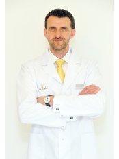 Dr. Martin Molitor - Chirurg - YES VISAGE Klinik Prag