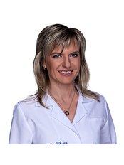 Dr. Lenka Faltová - Ärztin - LaserPlastic