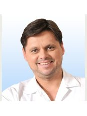 Dr. Vladislav Hospodár - Chirurg - Royal Medical