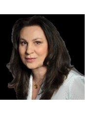 Dr. Vera Satankova - Chirurgin - Royal Medical