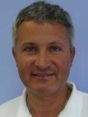 Dr Tomas Kupka - Surgeon at Ustav  Esteticke Mediciny - Praha Emauzy