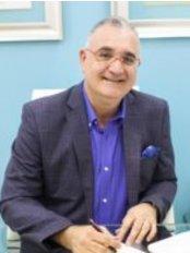 Cirugía Inteligente - Dr. Kenneth Schimensky - Mustafá kemal ataturk #24 Ens. Naco, Santo Domingo,  0