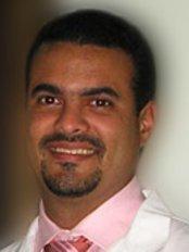 Dr Manuel Espaillat Pavonessa -  at Dr. Manuel Espaillat Cirujano Plástico - Medicalnet