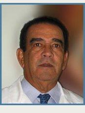 Dr. Manuel Espaillat Cirujano Plástico - Medicalnet - C/ Rafael Augusto Sanchez No. 45, Suite 403, Piantini,
