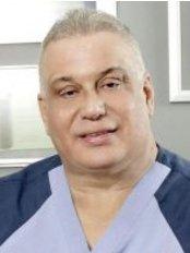 Dr Roberto Guerrero Daniel - PlastiCenter, Calle Mustafá Kemal Ataturk #24, Naco, Santo Domingo,  0