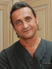 Docteur Richard Diacakis - Clinique Esthetique Des Champs - 61 avenue Franklin Delano Roosevelt –, Paris, 75008,  0
