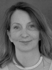 Ms Nathalie du Peyroux -  at Doctor Philippe Garcia