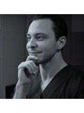 Dr Adel Louafi - Surgeon at Dr. Adel Louafi