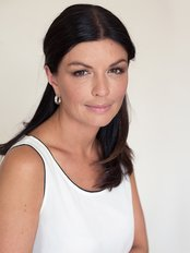 Dr Roxana Aldéa -  at Dr Natalie Rajaonarivelo - Clinique Nescens Spontini