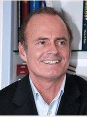 Dr Thierry Lemaire - 3, rue Anatole de la Forge, Paris, 75117,