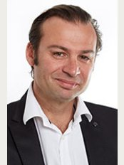 Dr. Eric Rondini-Gilli - 38 Passage du Port, Saint-Tropez, 83990,