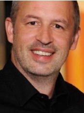 Dr Henning Becker -  at Aesthetic Clinic Med - Berlin
