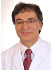 Prof Uwe Trefzer -  at Dermatologikum Berlin