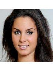 Miss Anna Wenzel -  at Dr. Med. Stefan Henning