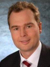 Dr Alexander Thonnett - Surgeon at Chirurgische Tagesklinik Bonn