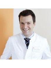 Dr Stefan Zimmermann - Surgeon at Dr. med. Holger Pult Facharzt für Plastische und Ästhetische Chirurgie