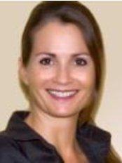 Dr Jutta Henscheid - Doctor at Praxisklinik Fur Aesthetic Chirurgie