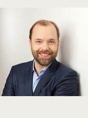 Yuveo Clinic -  Dr. Rene Schumann