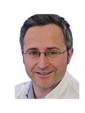 Dr Arif Altinay - Doctor at Medical One - Heidelberg