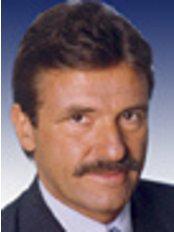 Dr med Hermann Solz - Mollstrasse 45, Mannheim, 68165,  0